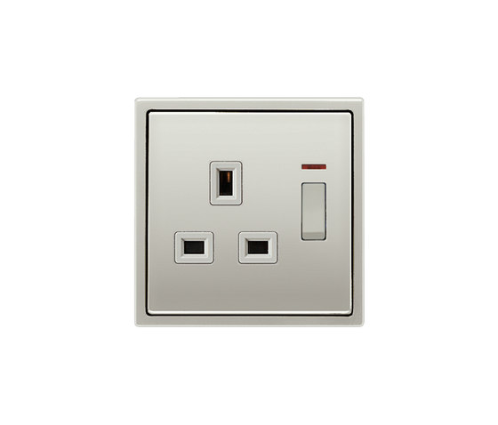 British Standard switchable monitoring switch 13A socket stainless steel di JUNG | Prese inglesi