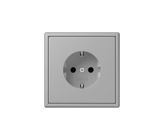 LS 990 in Les Couleurs® Le Corbusier | socket 32012 gris moyen by JUNG | Schuko sockets