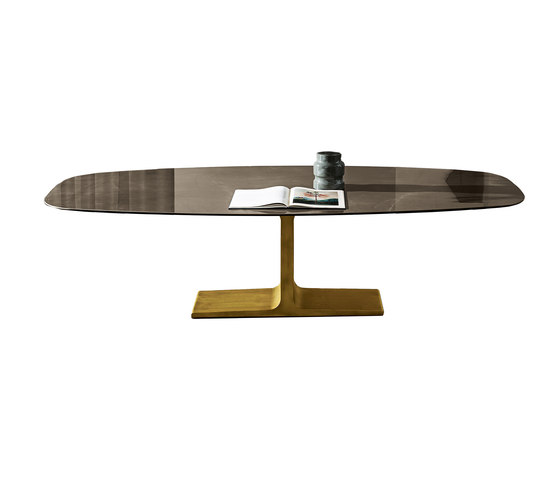 Palace shaped by Sovet | Dining tables