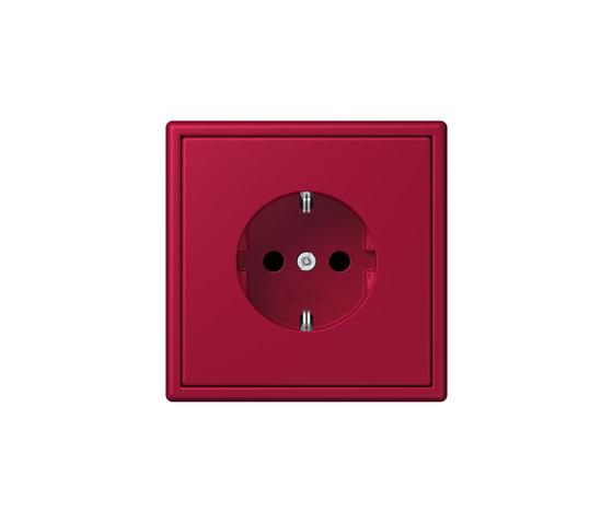 LS 990 in Les Couleurs® Le Corbusier socket 32100 rouge carmin by JUNG | Schuko sockets