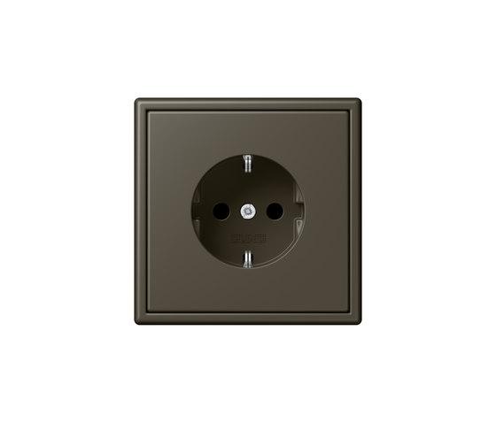 LS 990 in Les Couleurs® Le Corbusier | socket 32140 ombre naturelle 31 by JUNG | Sockets
