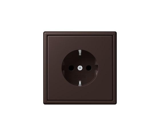 LS 990 in Les Couleurs® Le Corbusier   socket 4320J terre d'ombre brûlée 59 by JUNG   Schuko sockets