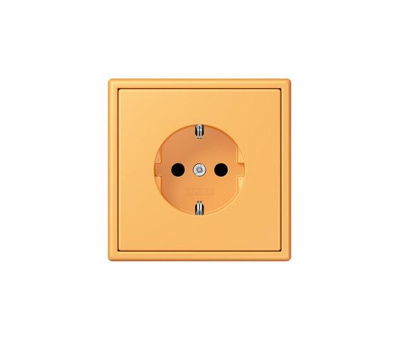 LS 990 in Les Couleurs® Le Corbusier | socket 4320L ocre jaune clair by JUNG | Schuko sockets