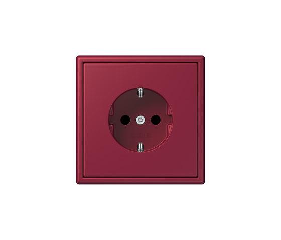 LS 990 in Les Couleurs® Le Corbusier | socket 4320M le rubis by JUNG | Schuko sockets