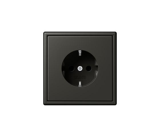 LS 990 in Les Couleurs® Le Corbusier | socket 4320R ombre naturelle by JUNG | Schuko sockets