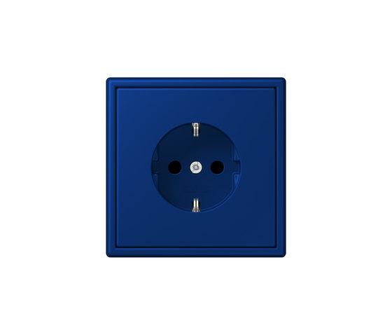 LS 990 in Les Couleurs® Le Corbusier | socket 4320T bleu outremer foncé by JUNG | Schuko sockets