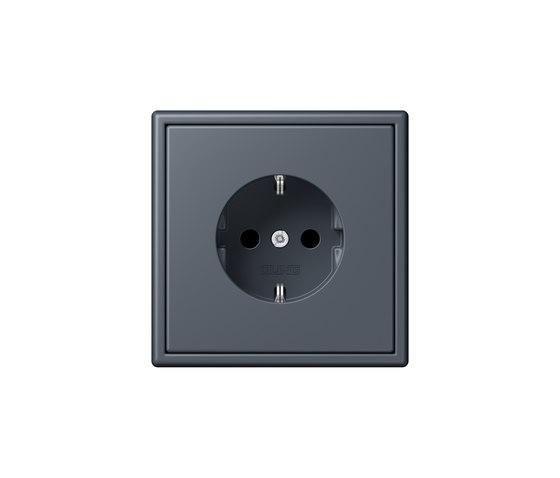 LS 990 in Les Couleurs® Le Corbusier   socket 4320U by JUNG   Schuko sockets