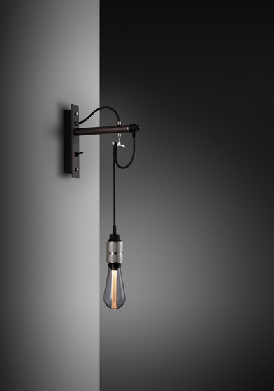 Hooked wall   nude   Graphite   Steel de Buster + Punch   Appliques murales