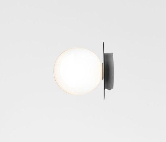 Liila 1 Medium Opal de Nuura | Lámparas de pared