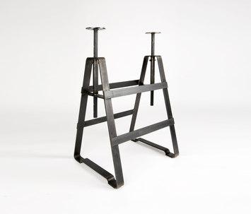 Affe lackaffe tischbock von atelier hau mann affe for Tischbock design