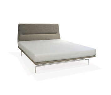 Lenao bed by piuric product for Bett englisch