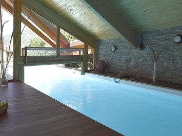 Indoor outdoor pools by piscines carr bleu indoor for Carre bleu