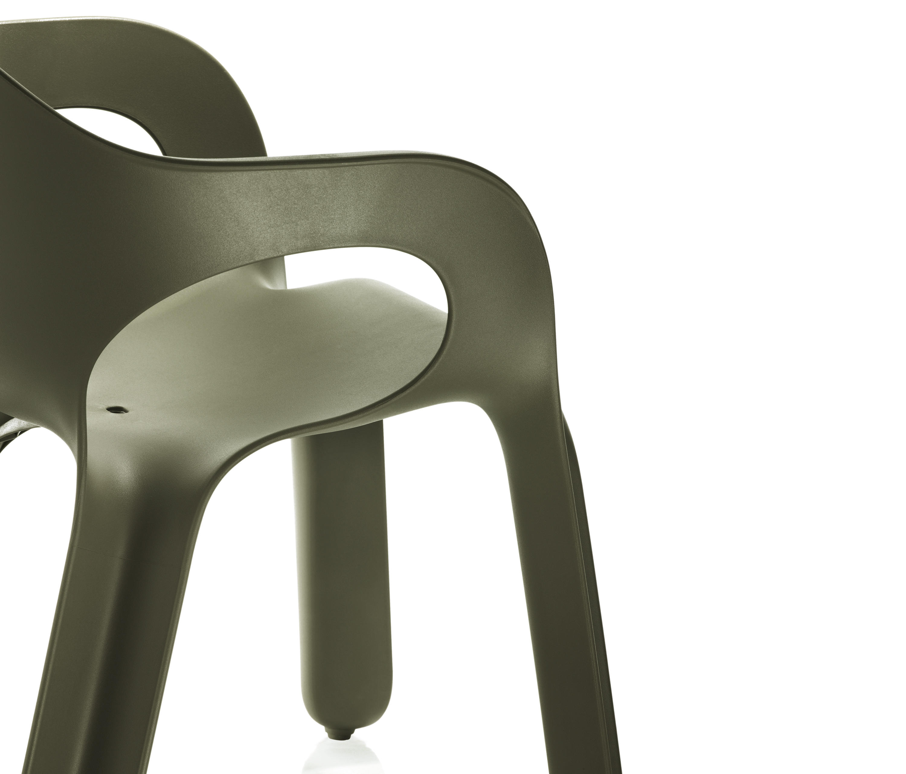 Easy chair sillas de magis architonic for Magis easy chair