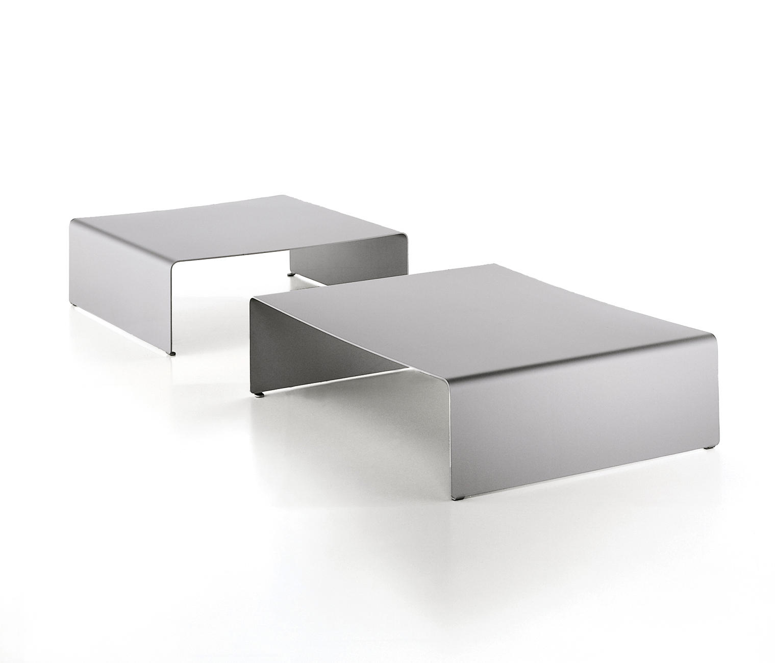 LA TABLE BASSE Coffee tables from MDF Italia