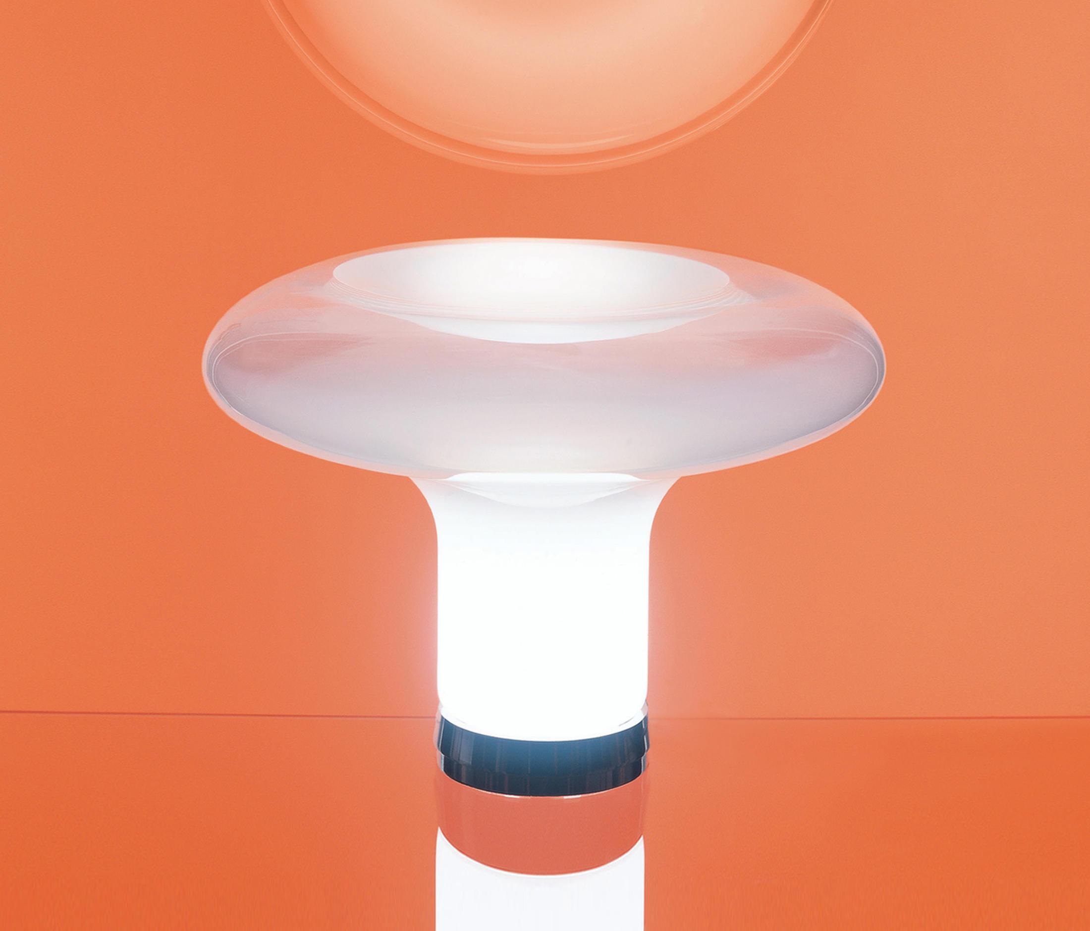 Lesbo lampade da tavolo illuminazione generale artemide - Lampade da tavolo in plexiglass ...