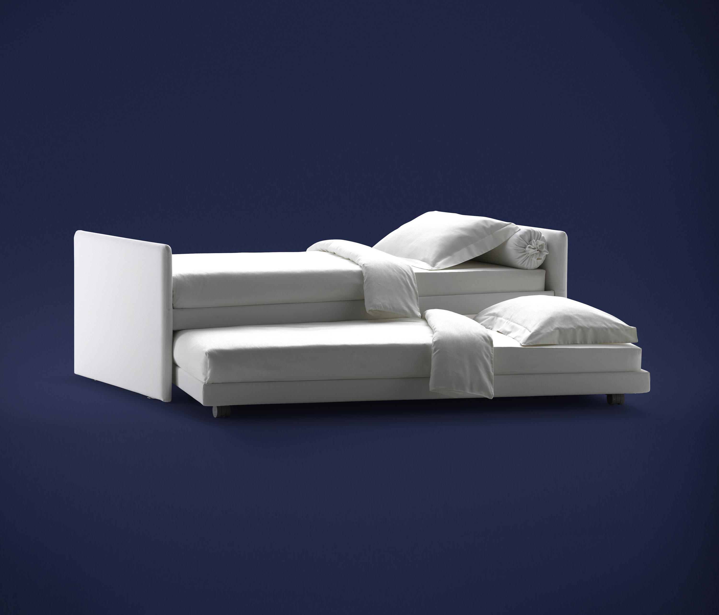 Incredible Duetto Bed Sofas From Flou Architonic Beutiful Home Inspiration Papxelindsey Bellcom