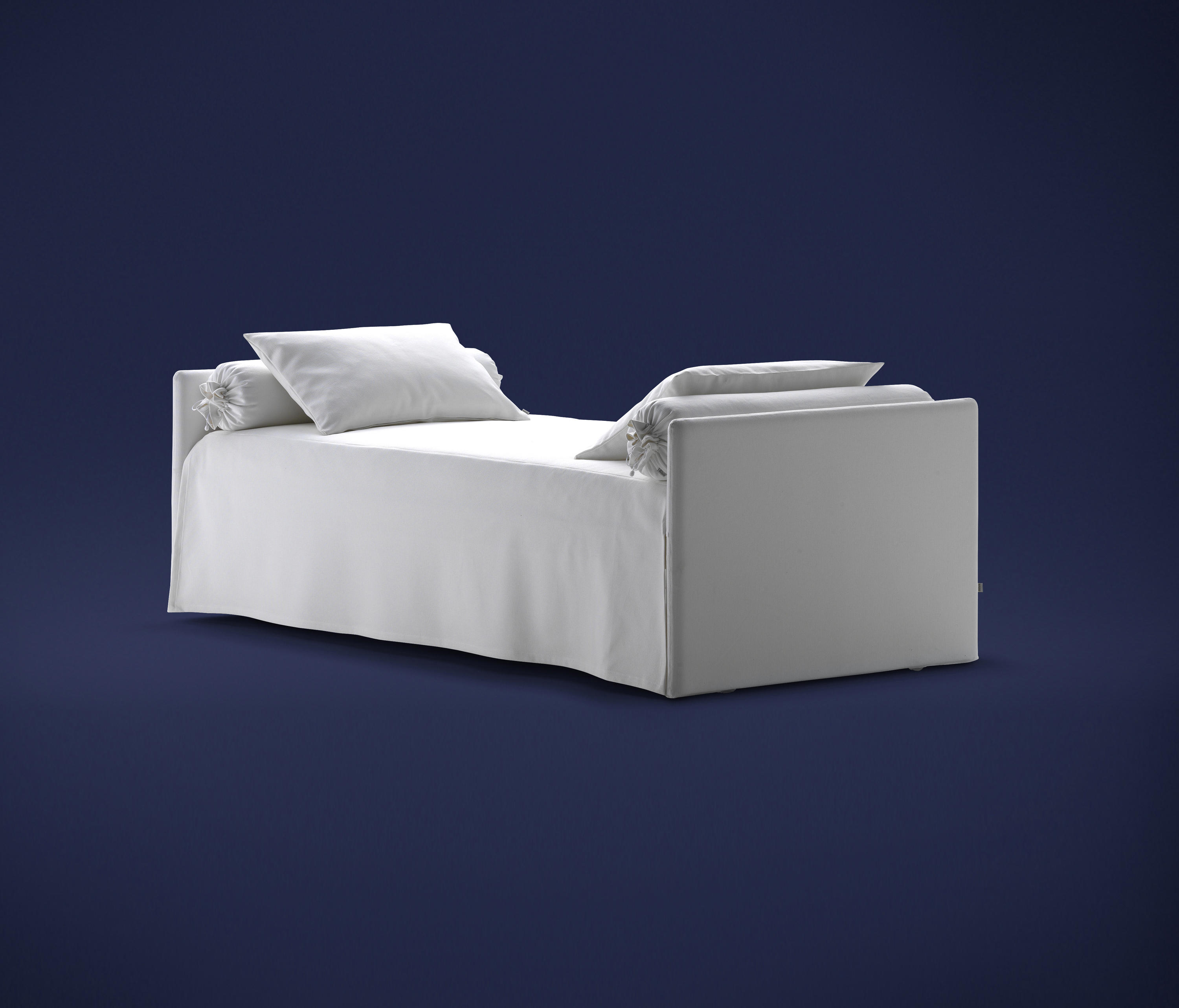 Magnificent Duetto Bed Sofas From Flou Architonic Beutiful Home Inspiration Papxelindsey Bellcom