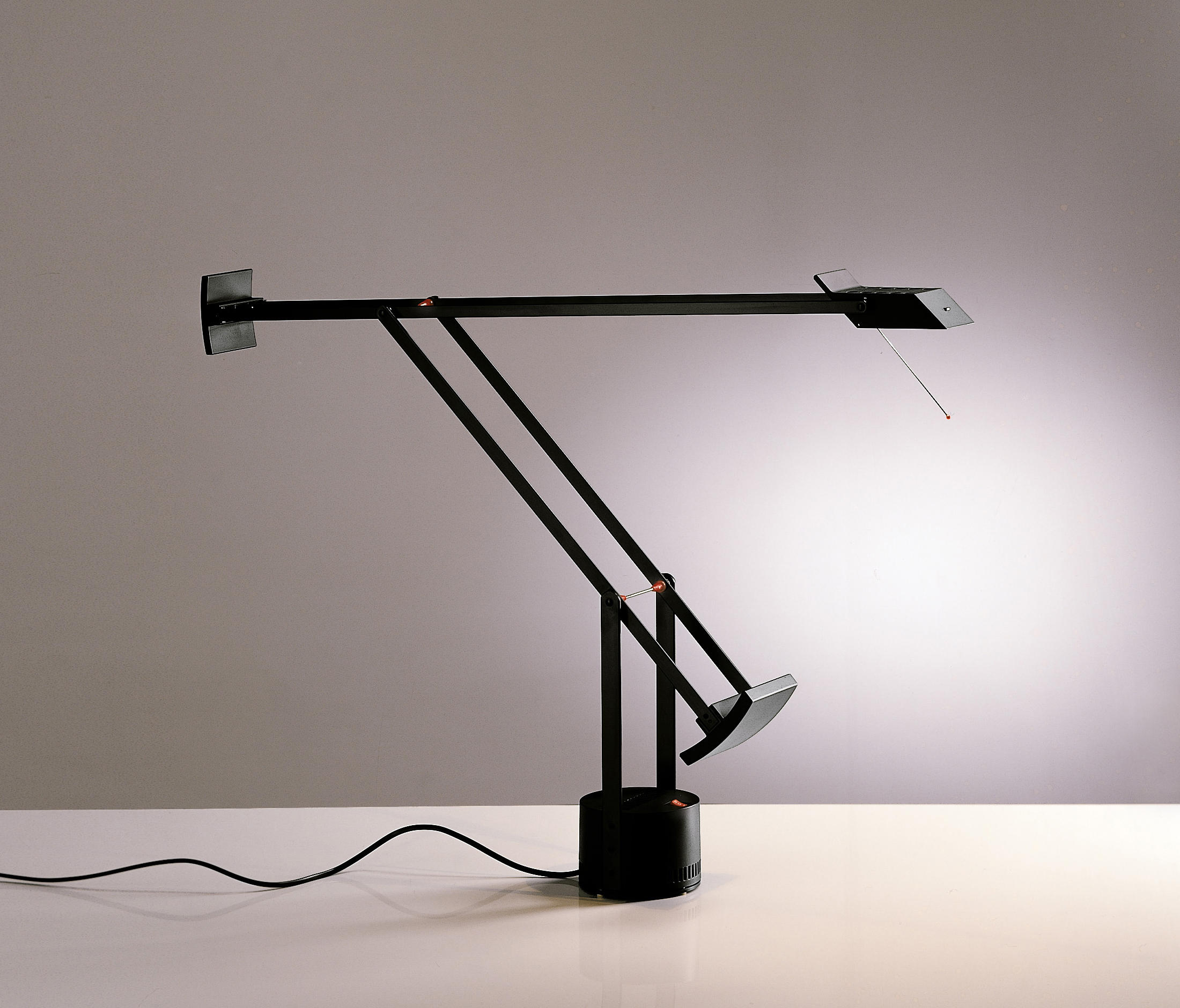 Tizio Table Lamp Table Lights From Artemide Architonic