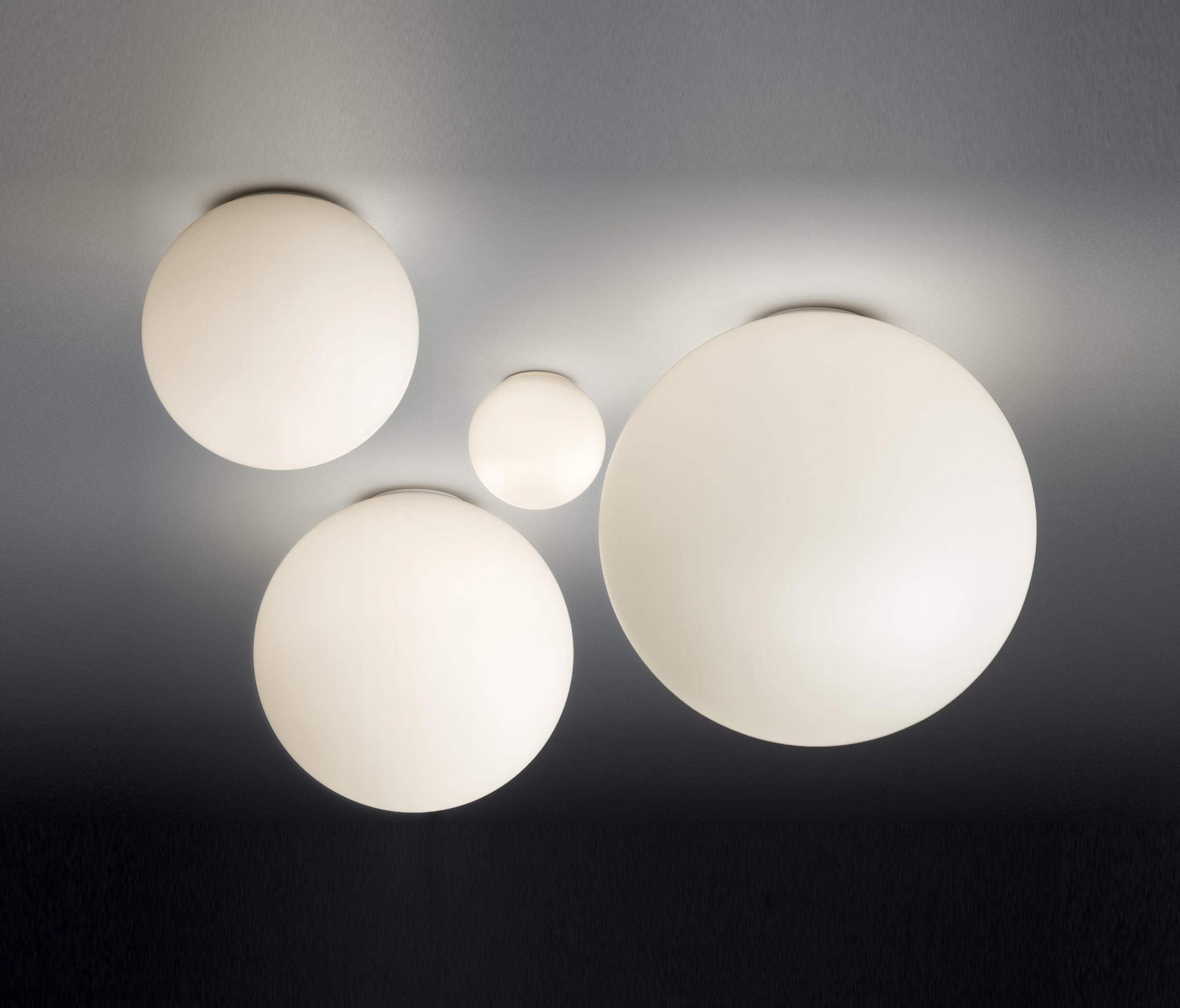 dioscuri ceiling lamp general lighting from artemide architonic. Black Bedroom Furniture Sets. Home Design Ideas