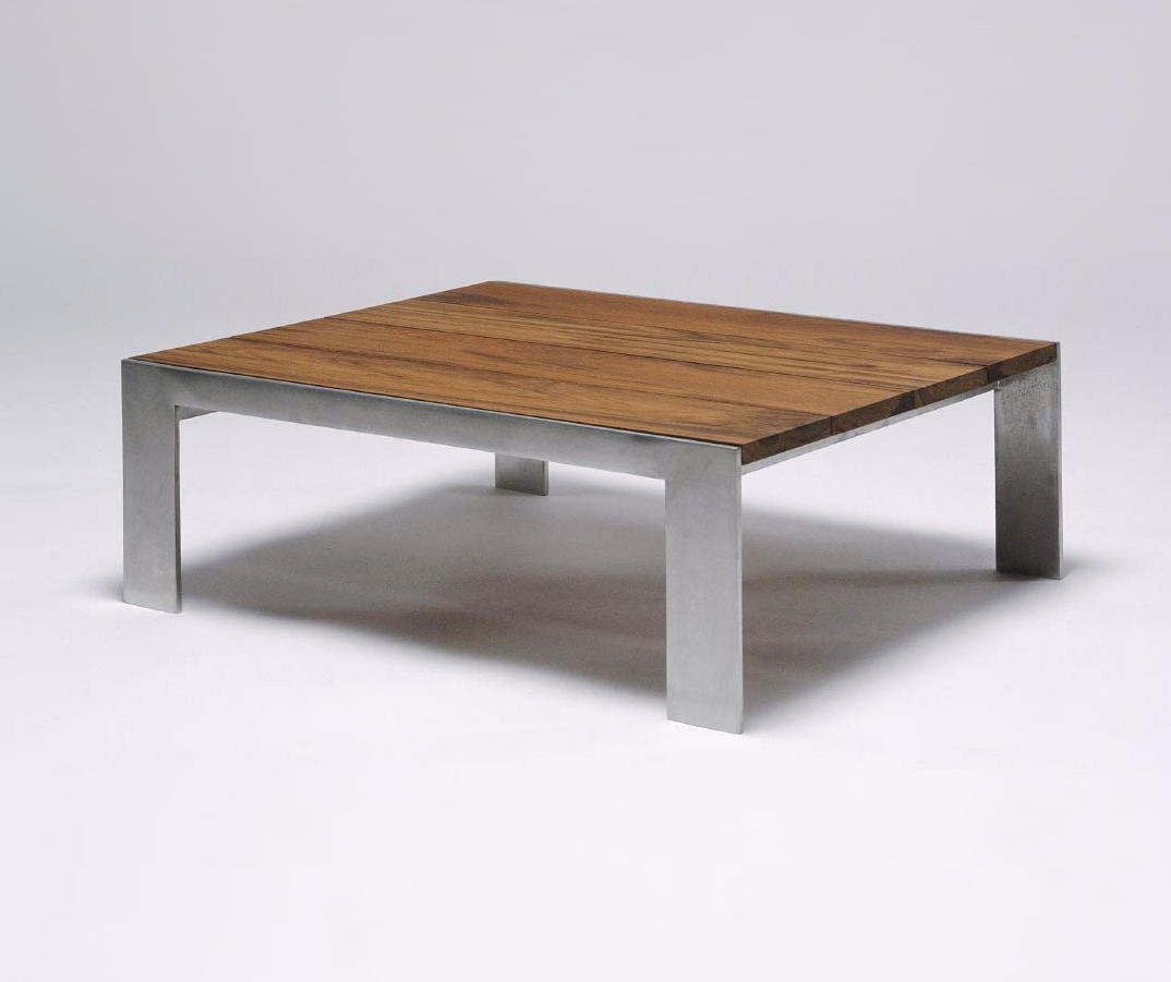INDOOR/OUTDOOR GROUP LOW TABLE