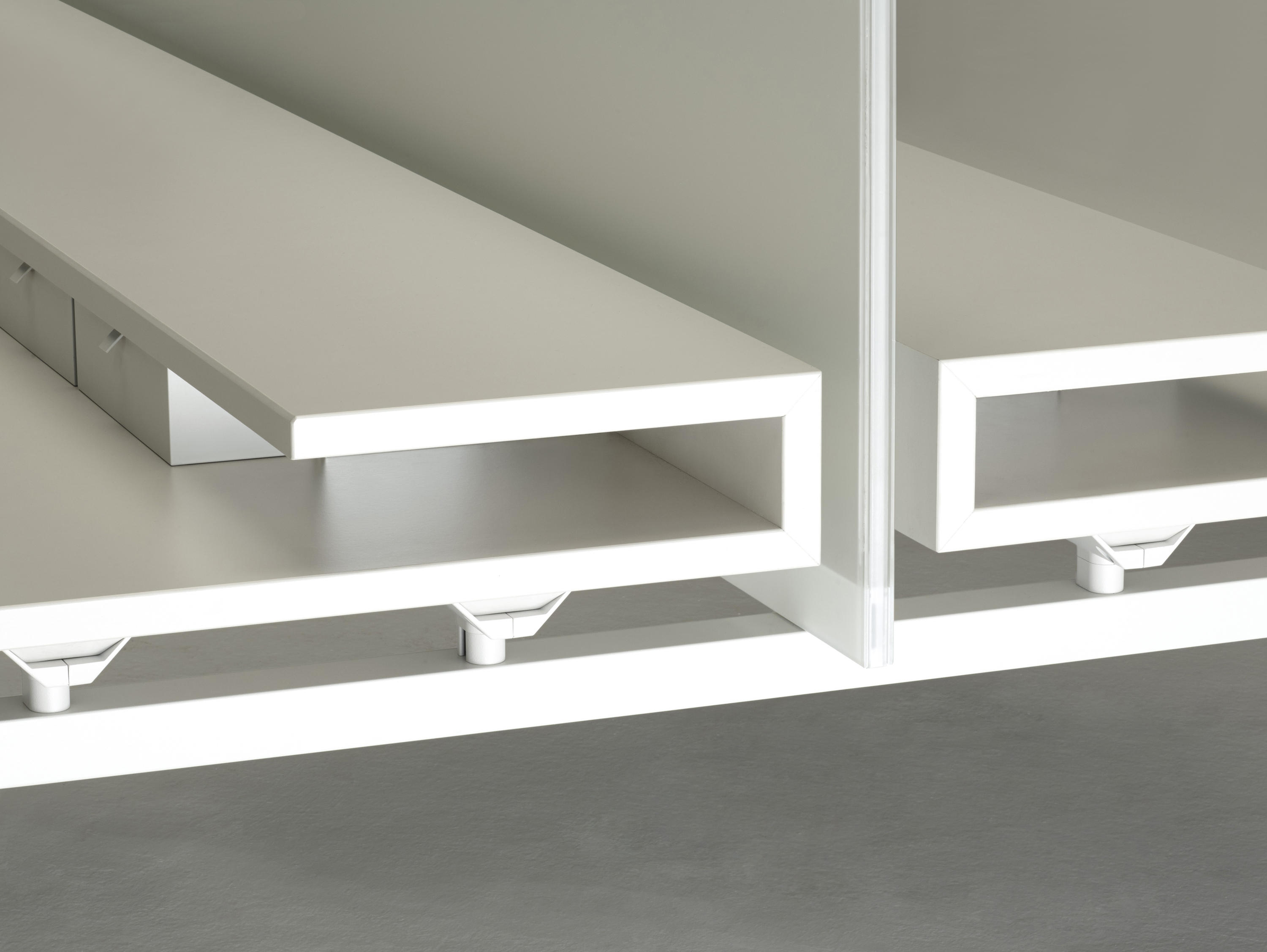 Mdl system table dividers from unifor architonic for Unifor turate