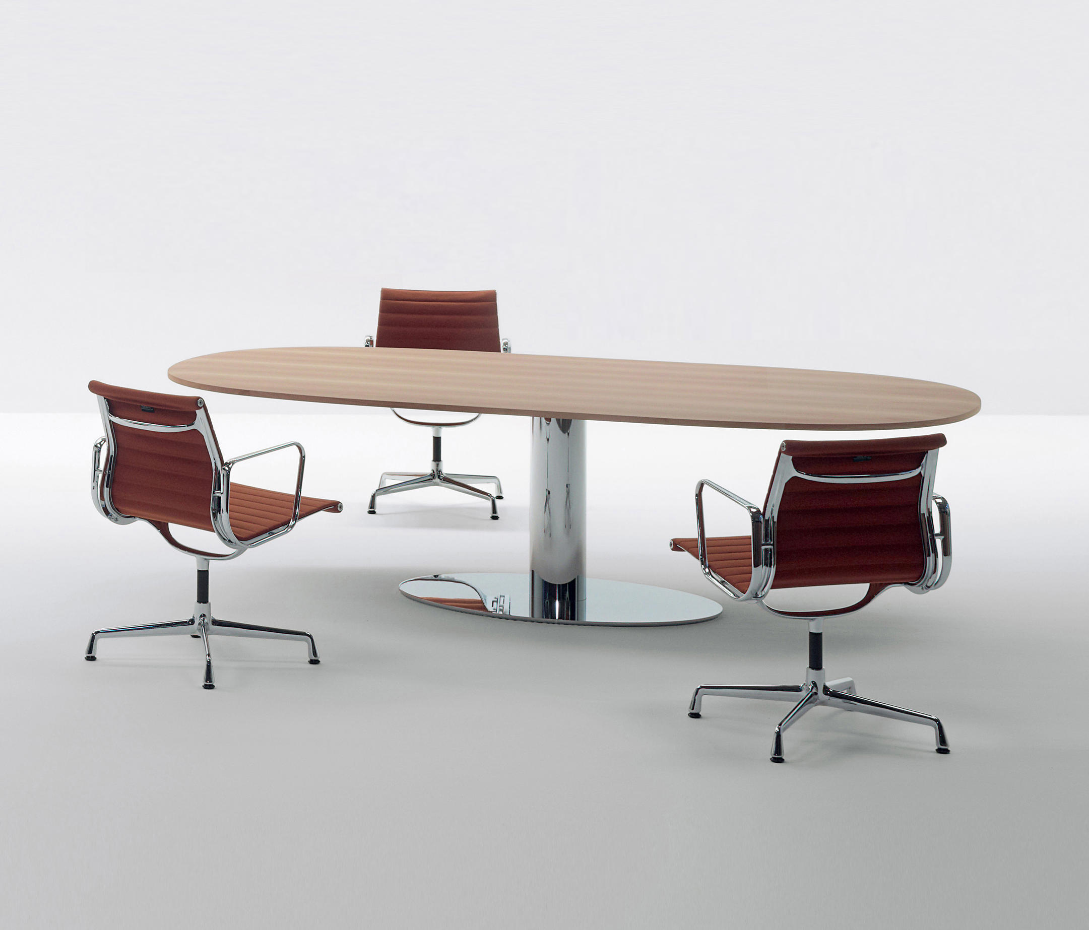 Moodway contract tables from unifor architonic for Unifor turate