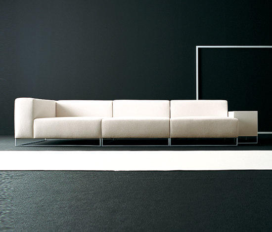 wall 2 modular sofa system lounge sofas from living divani architonic. Black Bedroom Furniture Sets. Home Design Ideas