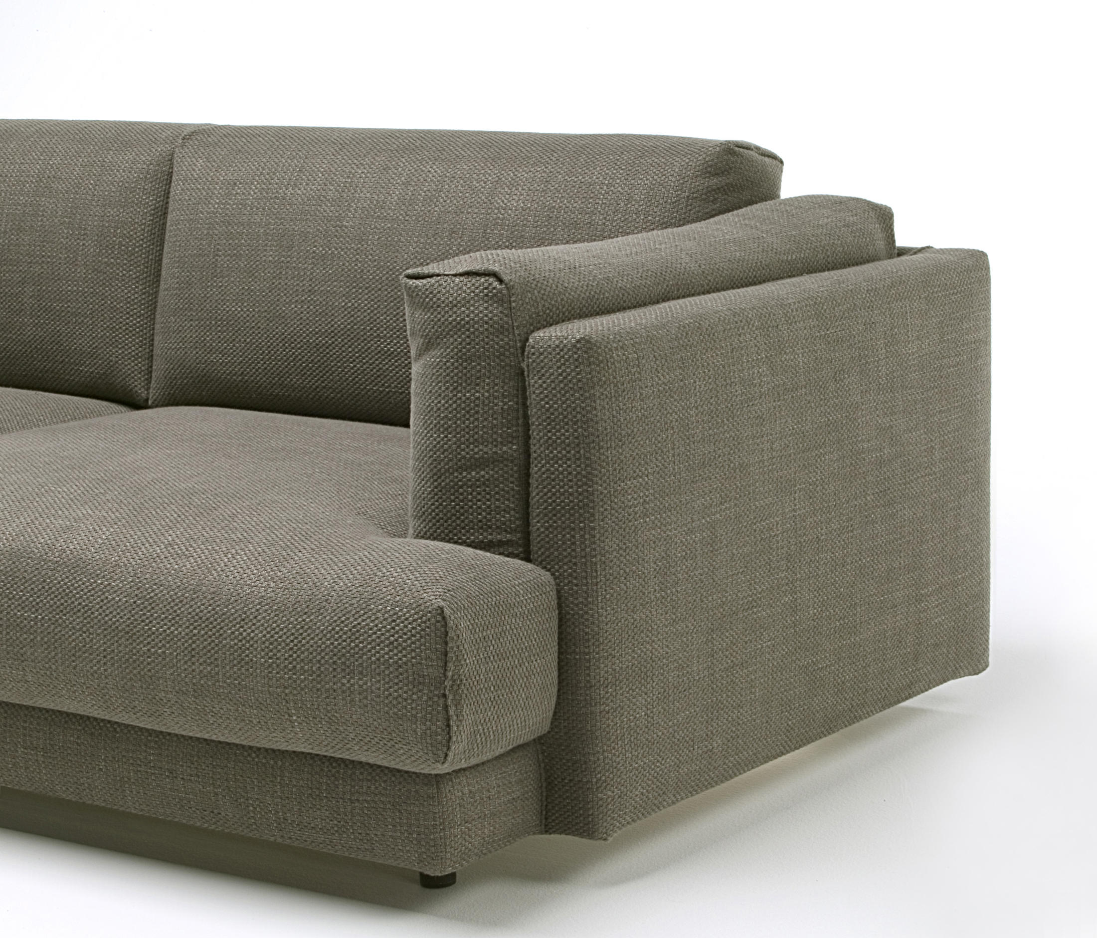Divani Low Cost.Family Lounge Sofas From Living Divani Architonic