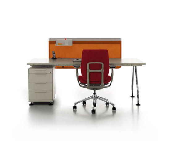 ad hoc office individual desks from vitra architonic. Black Bedroom Furniture Sets. Home Design Ideas