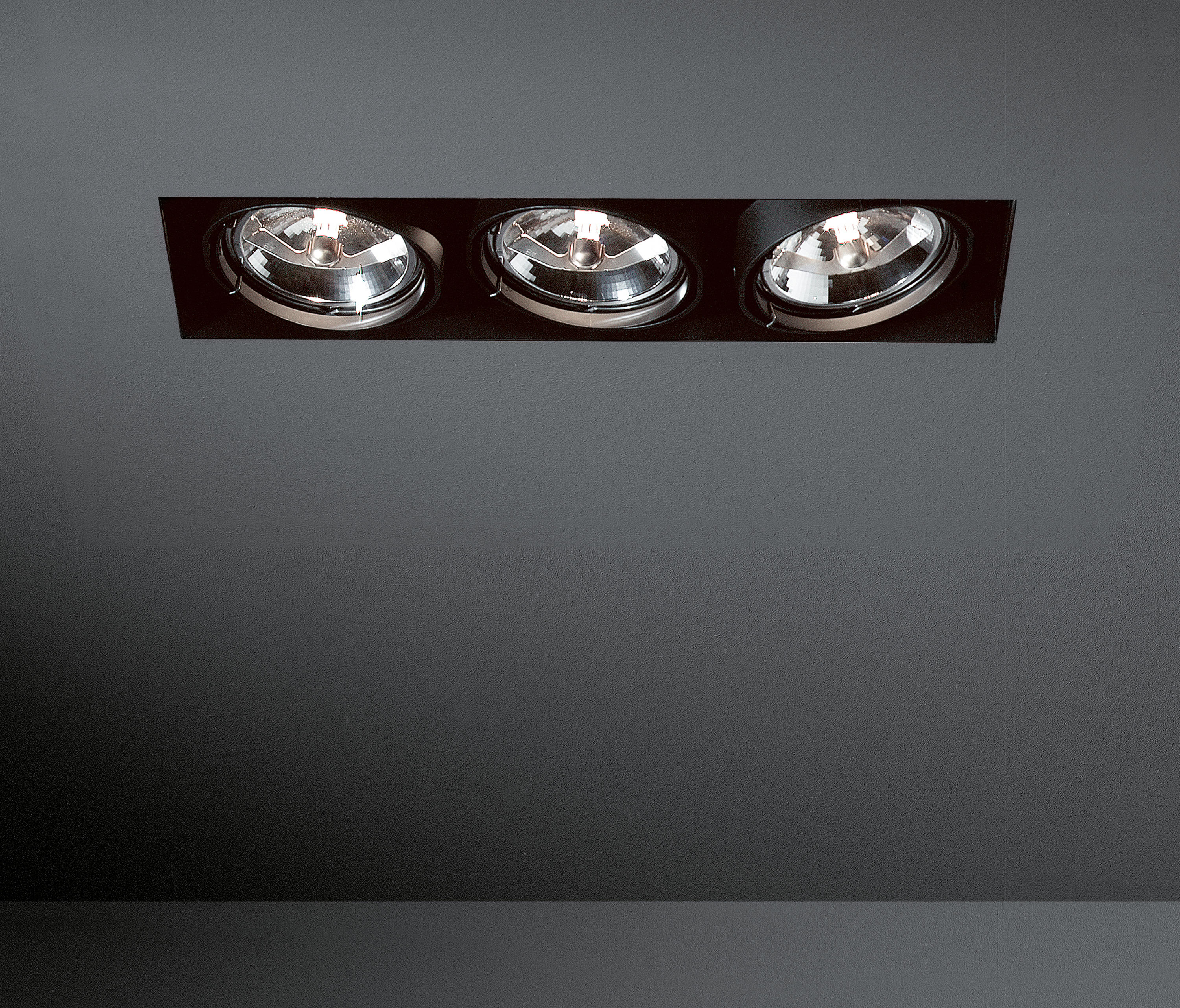 Multiple Trimless 3x Ar111 Ge By Modular Lighting Instruments Recessed Ceiling Lights
