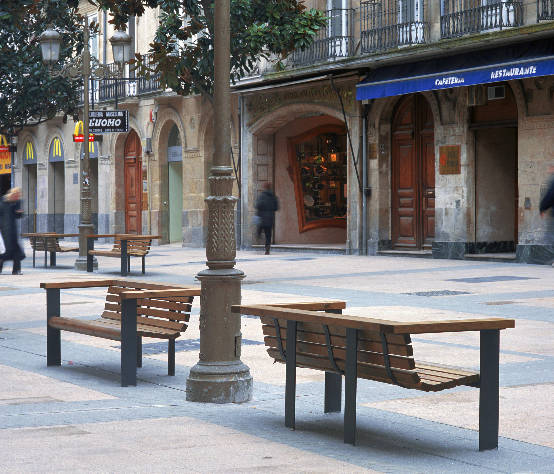 V a augusta bancos de exterior de santa cole architonic for Distribuidor roca barcelona