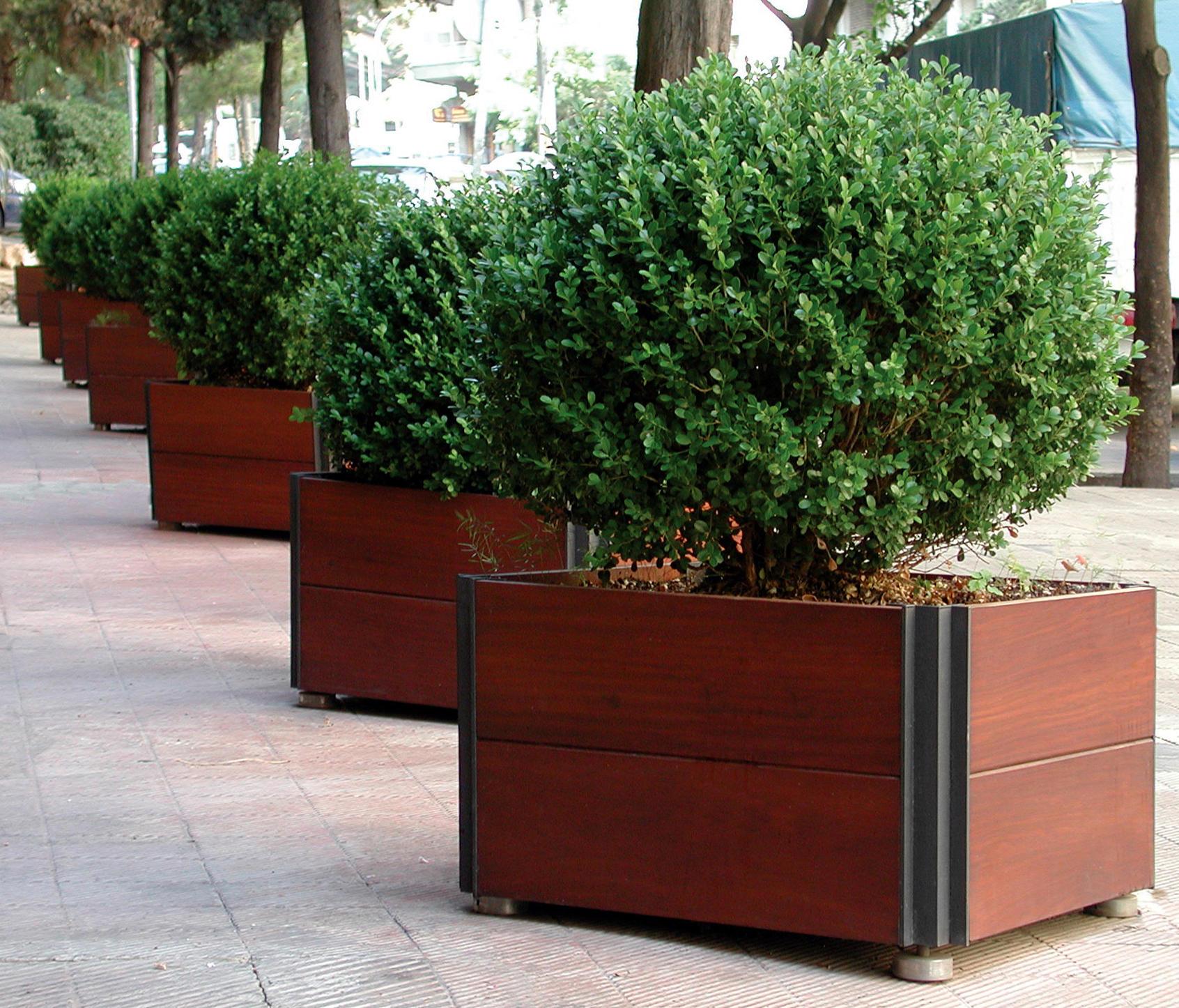 Plaza planters from santa cole architonic - Tipos de jardineras ...
