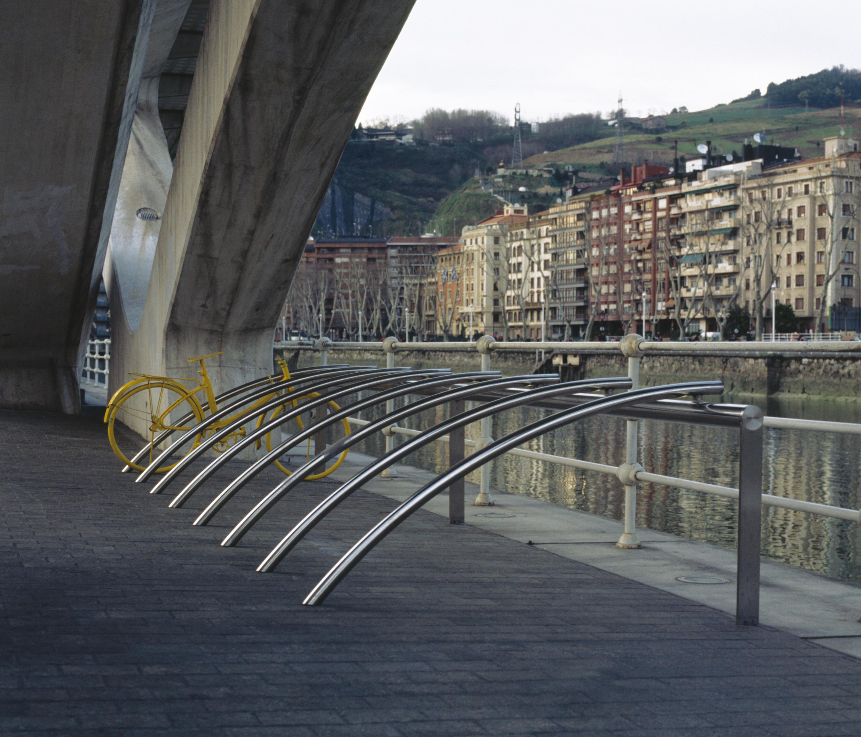 Bicil nea soportes para bicicletas de santa cole for Distribuidor roca barcelona
