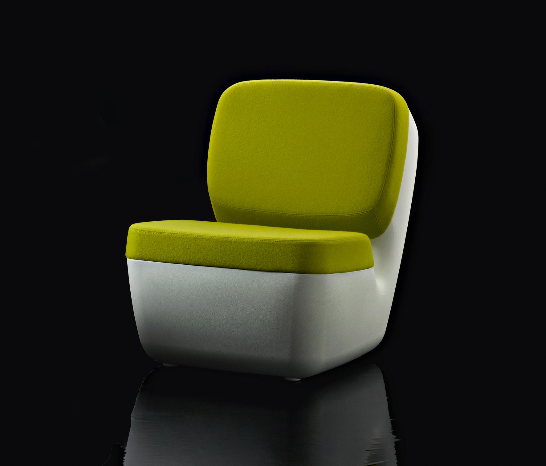 Nimrod lounge chairs from magis architonic for Magis chair