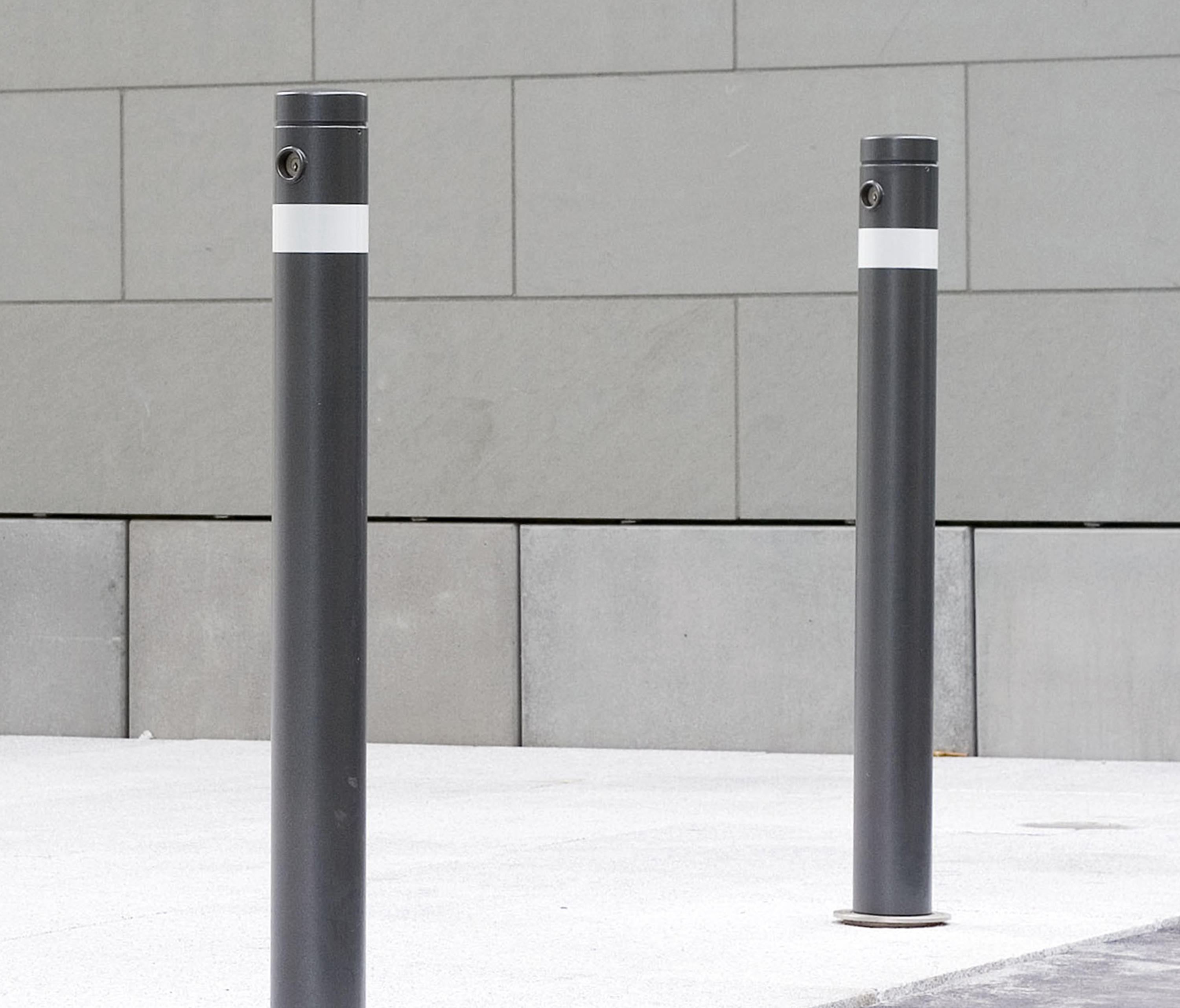 Post: PUBLIC BOLLARD REMOVABLE BARRIER POST