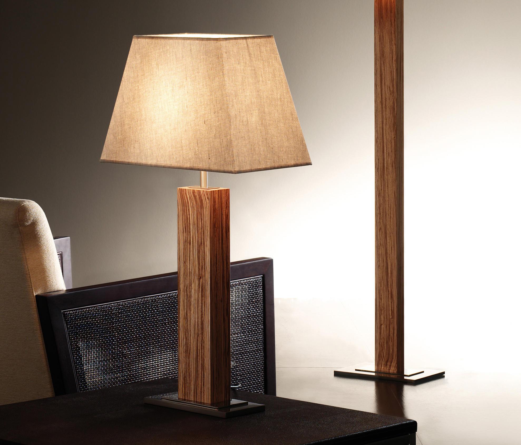 Tau madera l mpara de mesa iluminaci n general de bover for Lamparas de mesa de madera