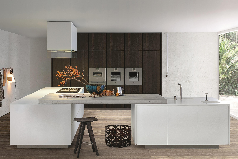 Matrix fitted kitchens from varenna poliform architonic for Poliform kitchen designs