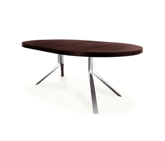 Oops table tables de conf rence de kristalia architonic for Table kristalia