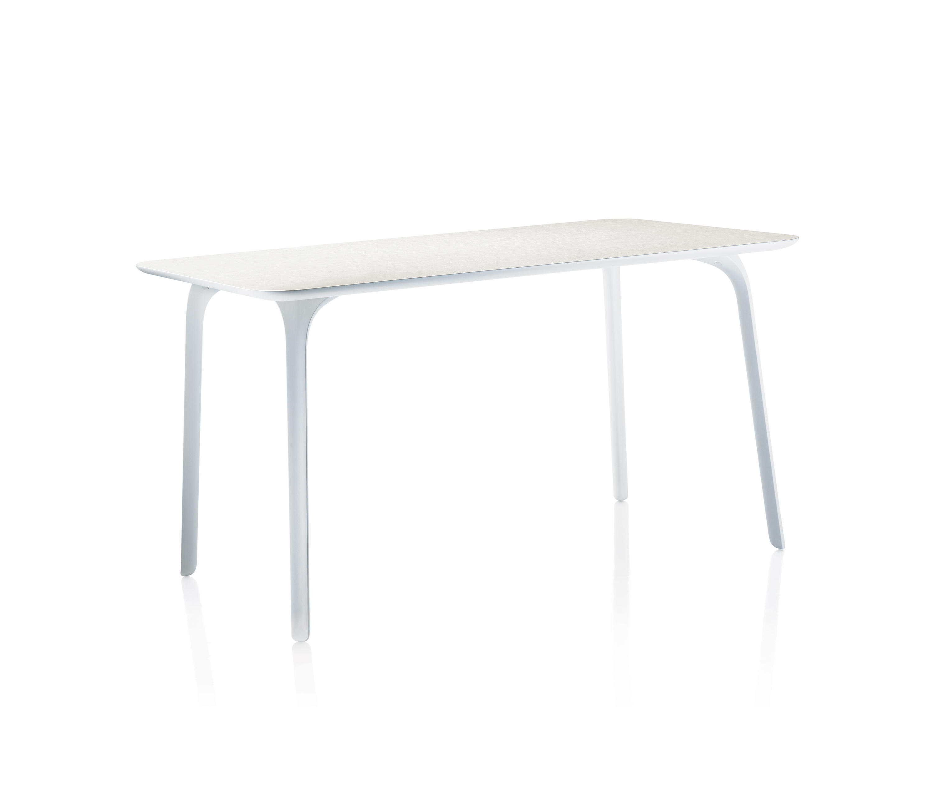 Table first cafeteriatische von magis architonic for Magis table first