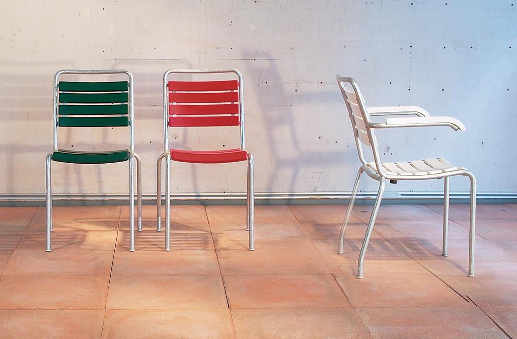 The garden chair garden chairs from atelier alinea for Garderobe 0286