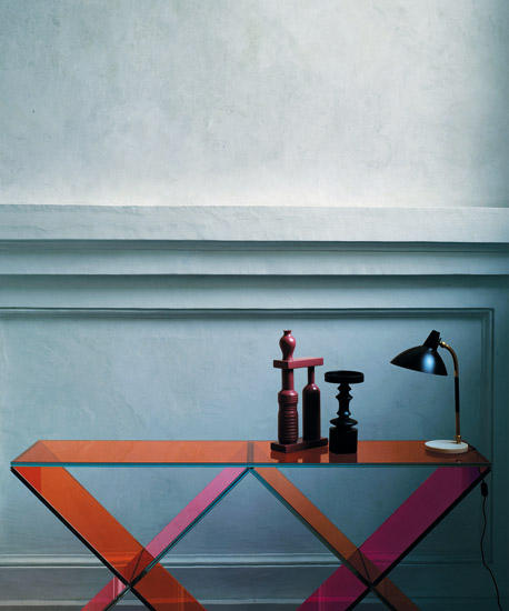 Xx console tables from glas italia architonic for Consolle colorata