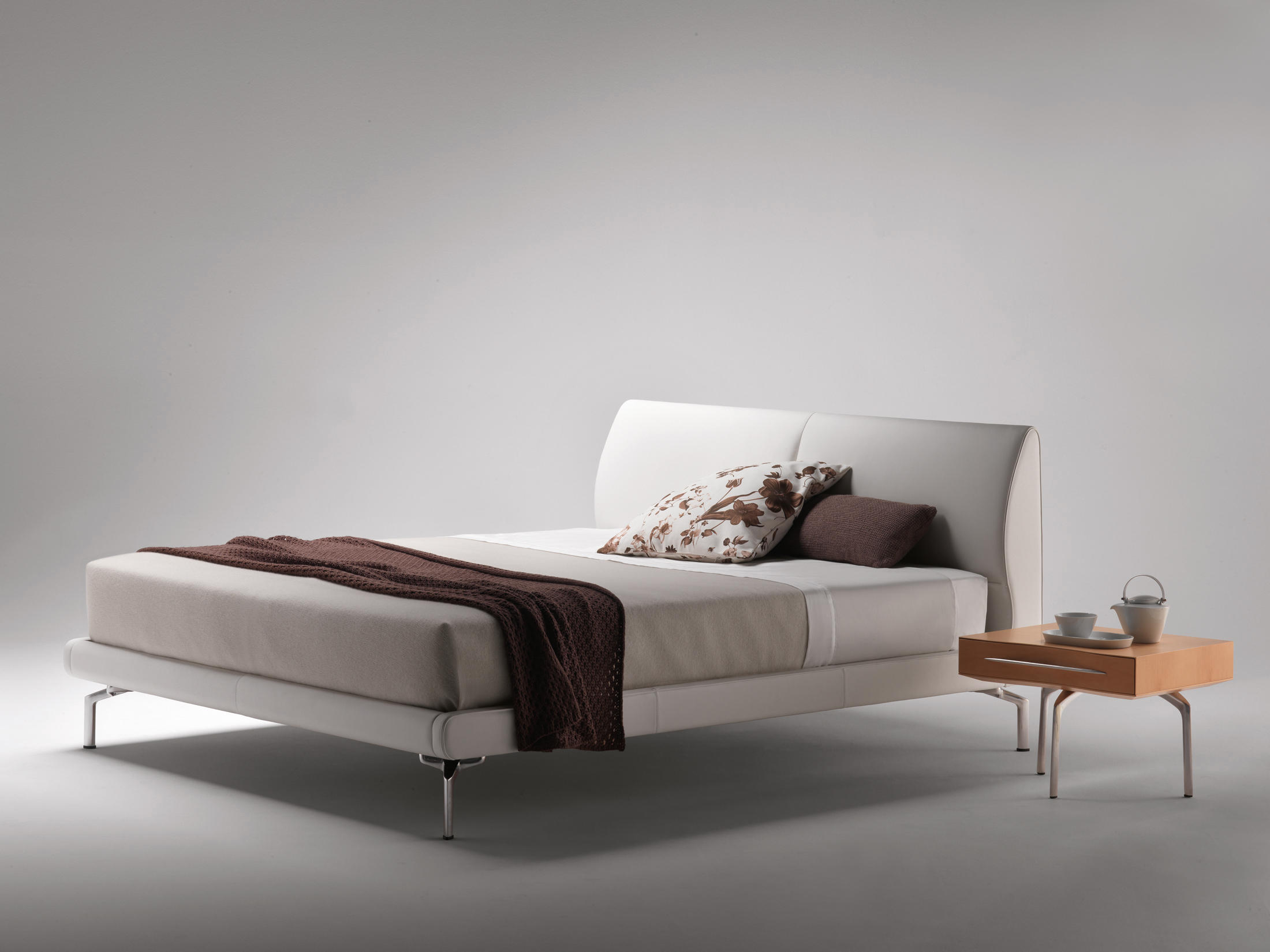 EOSONNO - Betten von Poltrona Frau | Architonic