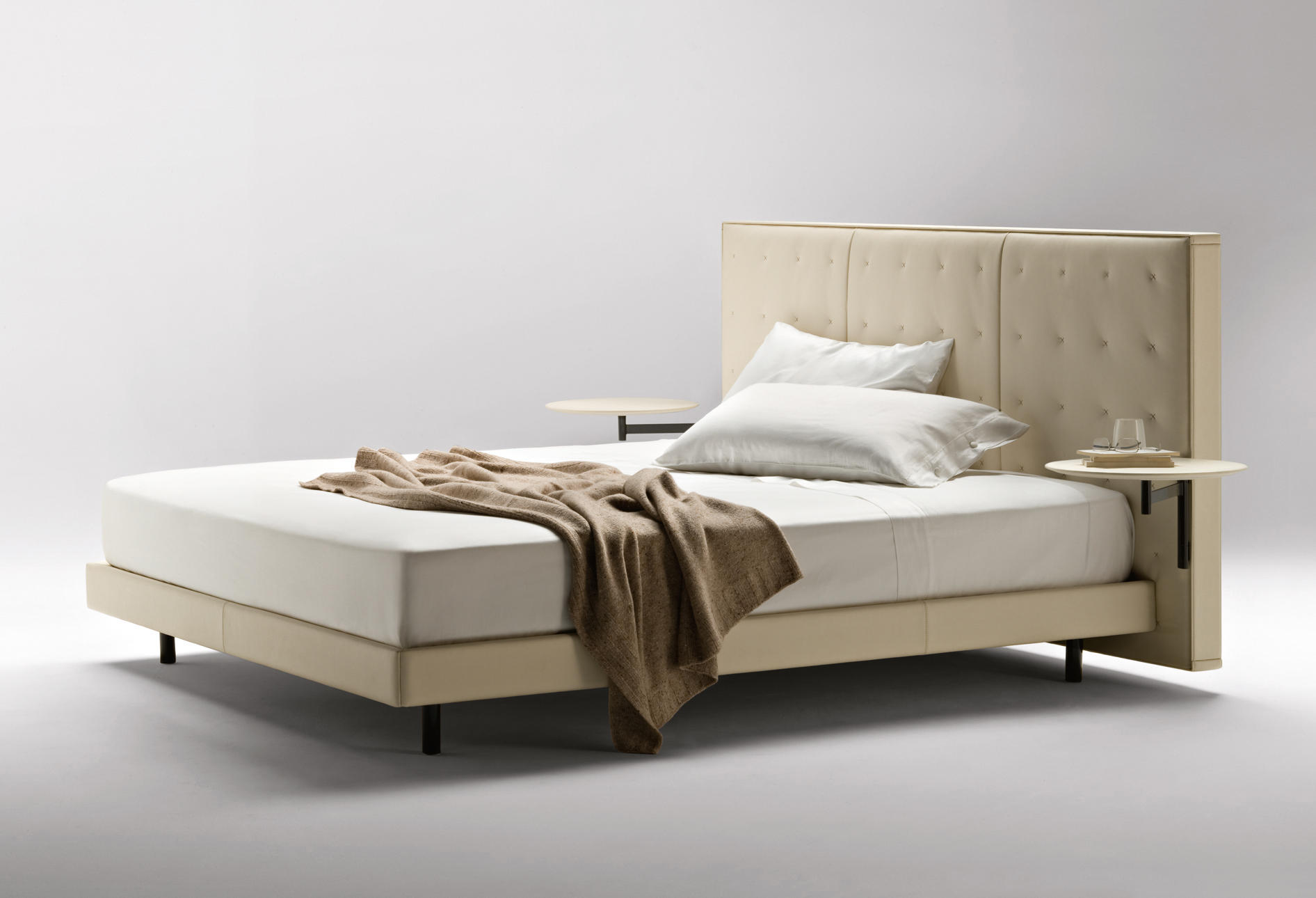JACK - Double beds from Poltrona Frau   Architonic