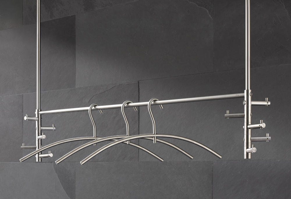 h ngegarderobe take 5 doppelt appendiabiti da soffitto phos design architonic. Black Bedroom Furniture Sets. Home Design Ideas