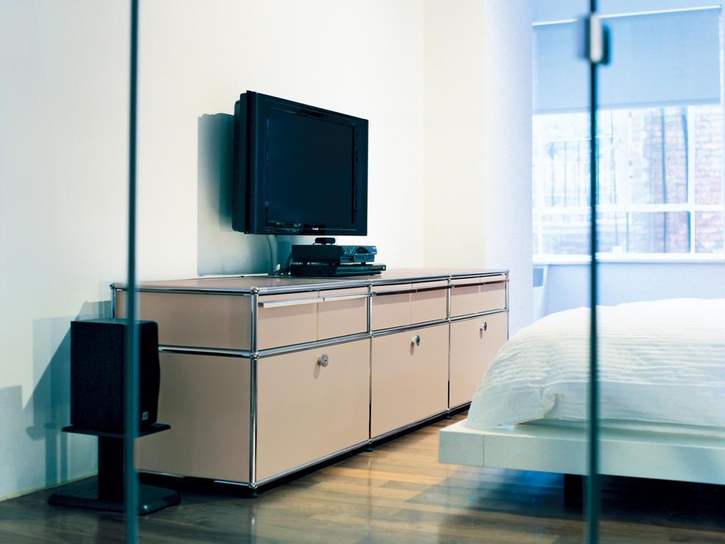 usm haller media multimedia sideboards von usm architonic. Black Bedroom Furniture Sets. Home Design Ideas
