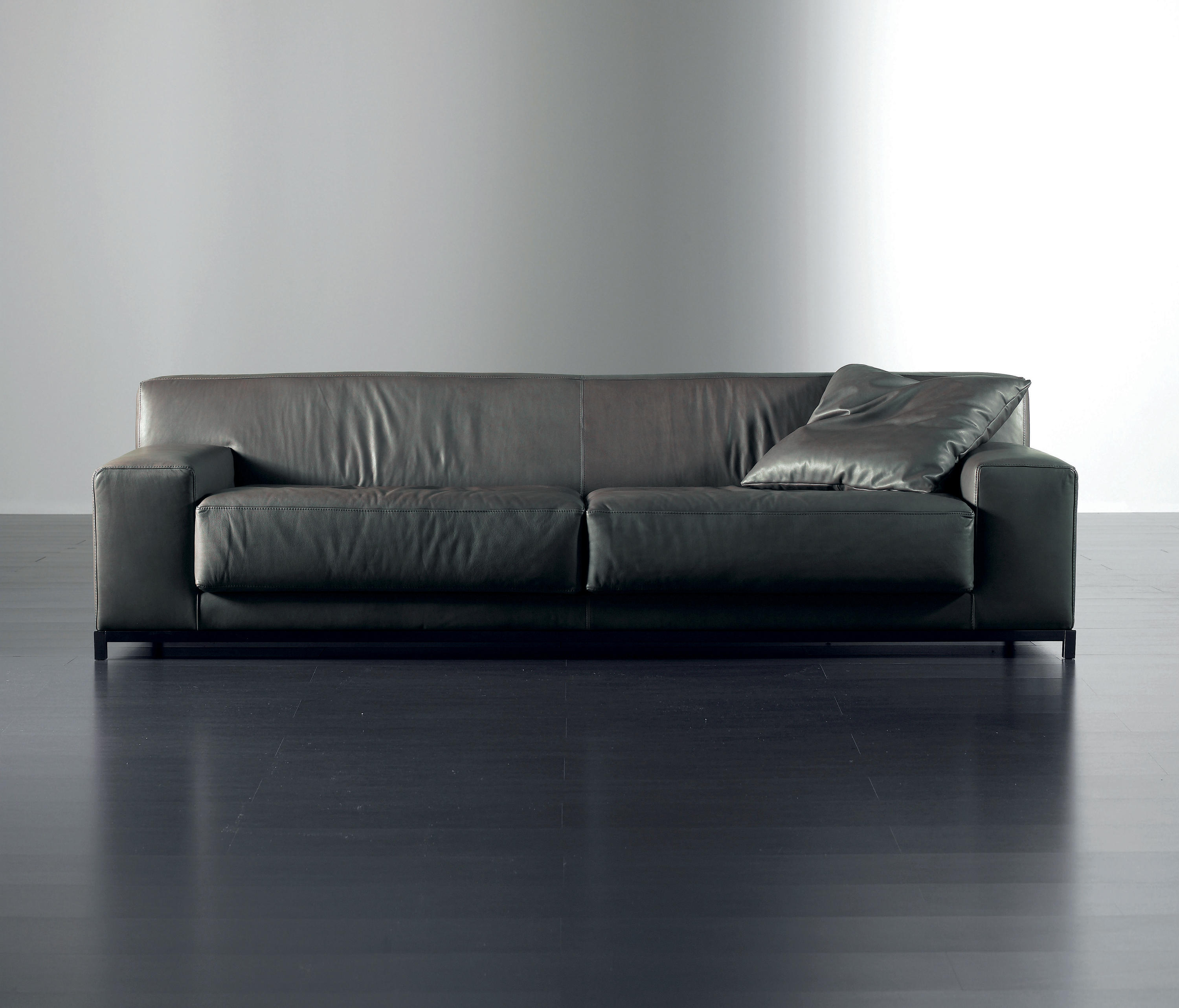 Frieman sofa lounge sofas from meridiani architonic frieman sofa by meridiani lounge sofas parisarafo Image collections