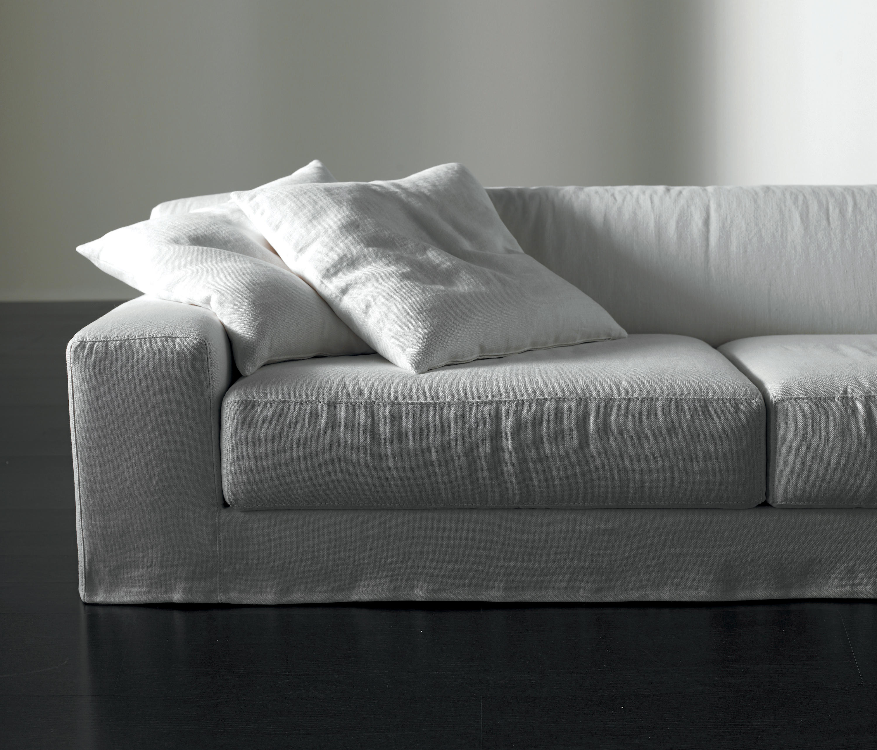 Frieman ghost sofa sofas from meridiani architonic frieman ghost sofa by meridiani sofas parisarafo Image collections