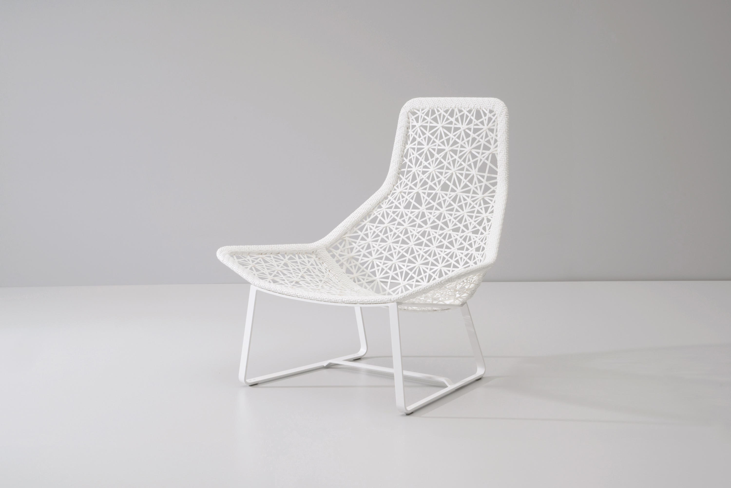 Maia relax armchair garden armchairs from kettal for Kettal maia
