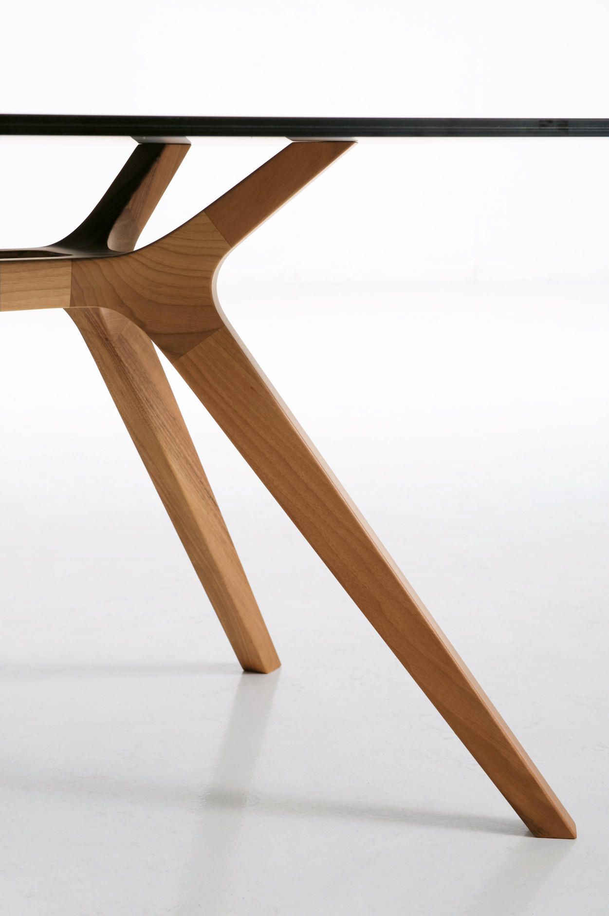 Dr individual desks from frezza architonic for Design a table
