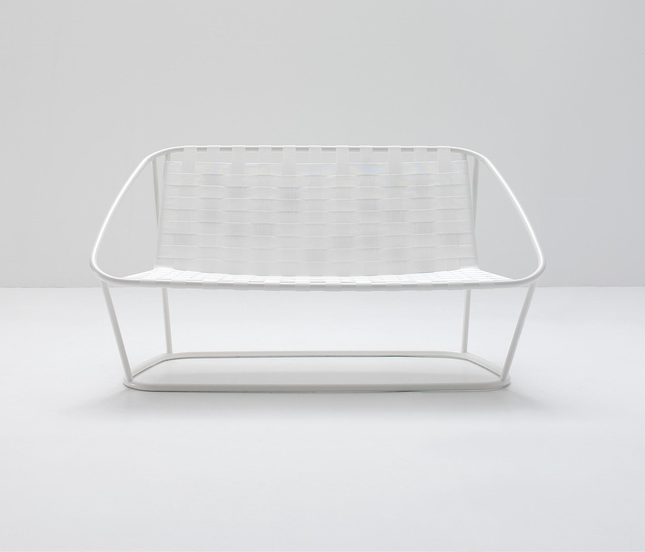 cloud sofa schmal gartensofas von arflex architonic. Black Bedroom Furniture Sets. Home Design Ideas